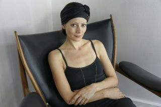 Camilla-shop-portrait-high-