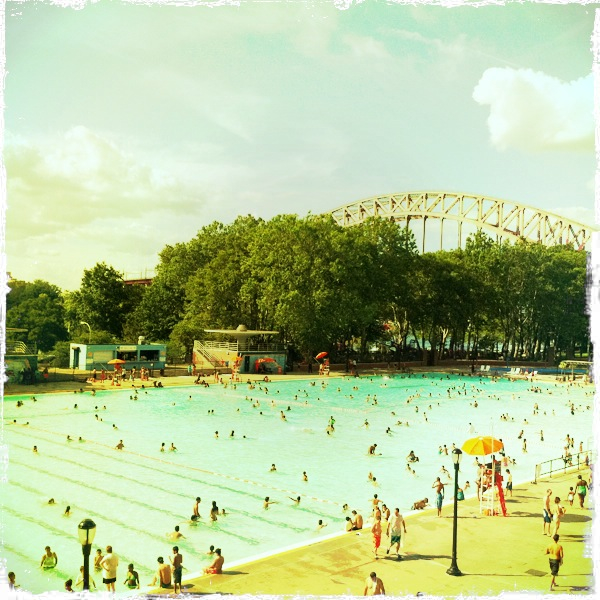 Happy Friday:Astoria Pool by The Fashion Informer:Lauren David Peden