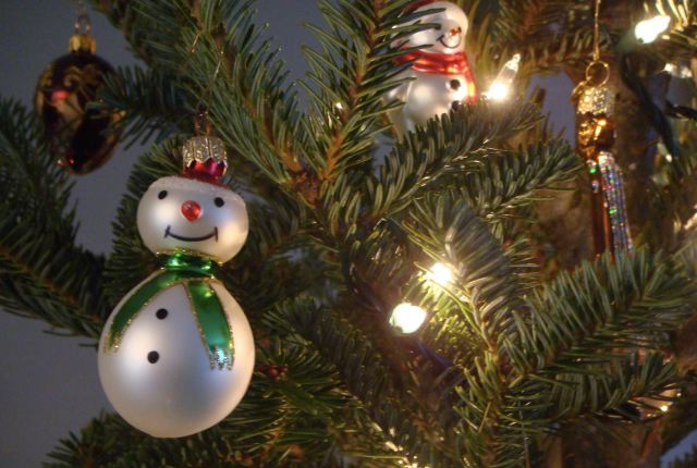 Snowmen ornaments by Lauren David Peden:The Fashion Informer