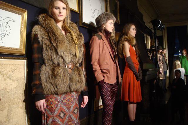 5. Veronica Beard fall 2013 presentation on The Fashion Informer by Lauren David Peden
